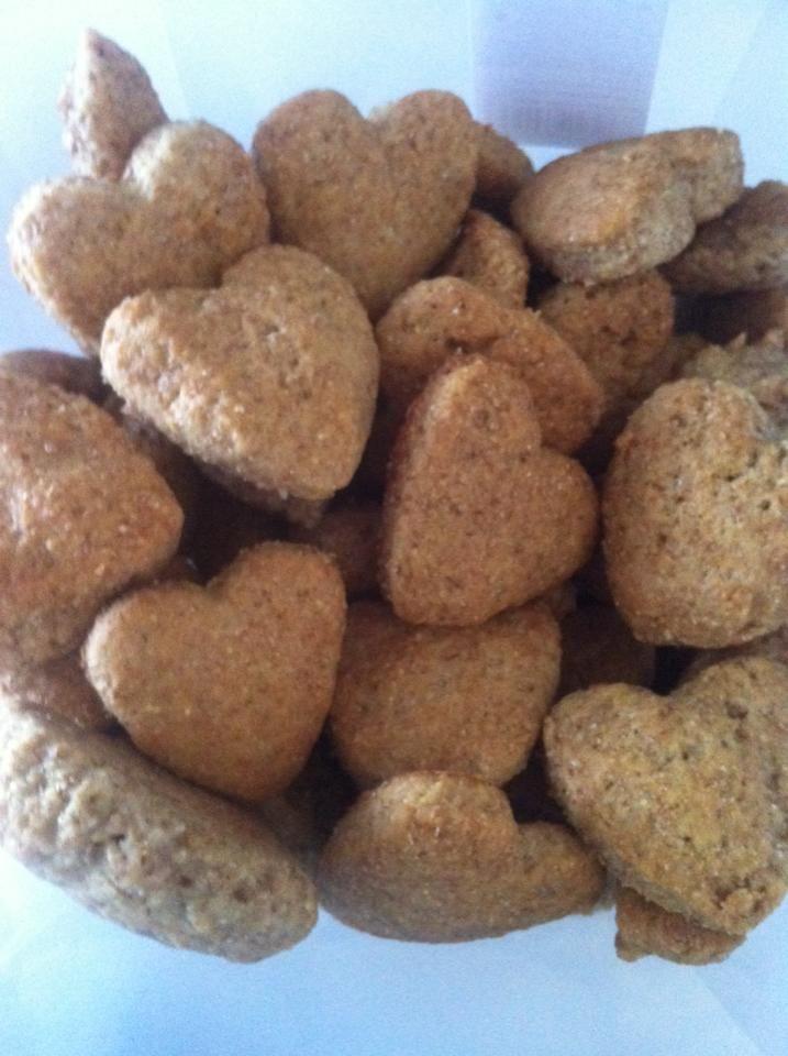 Biscotti integrali light Bimby senza burro e uova | http://www.bimbymania.com/350 grammi di farina integrale zenzero q.b Succo di mezzo limone mezzo cucchiaino di bicarbonato 80 di zucchero di canna 50 di olio evo 150 di latte ( io uso zymil senza lattosio) t