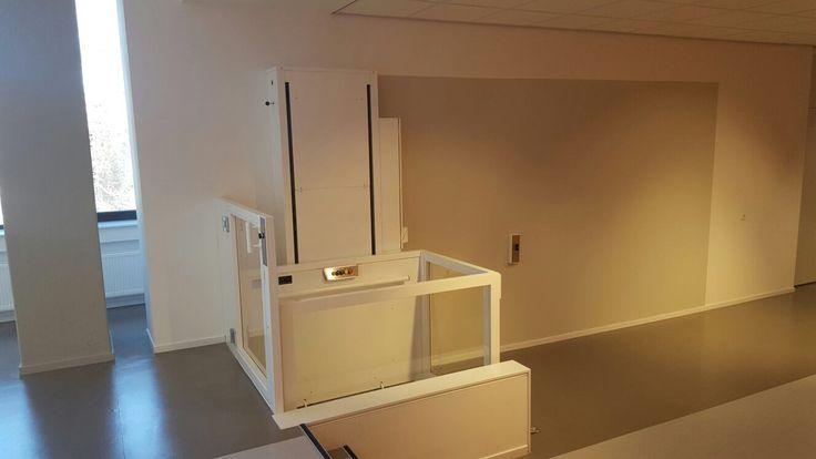 Praktische en elegante liftoplossing; vr huis of openbaar gebouw