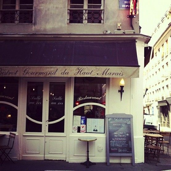 Mellow Monday: Corner Cafes | *Lovely Clusters - The Pretty Blog