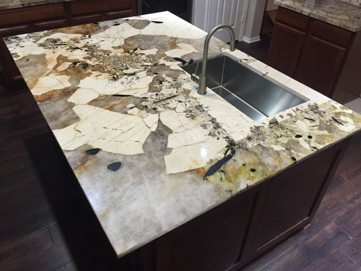 Feldspar Stone Slabs : Beautiful material resulted in a kitchen island