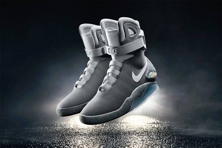 New York Giants' Odell Beckham Jr. Sports Nike Air Mag Influenced Cleats for the NFL Pro Bowl