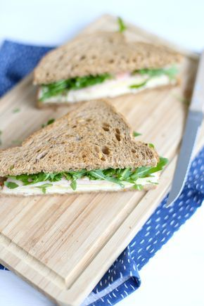 Sandwich met kip, appel en brie
