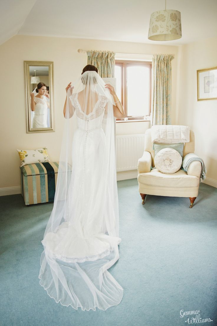 budget wedding photography west midlands%0A How Caple Court Wedding Photography www gemmawilliamsphotography co uk