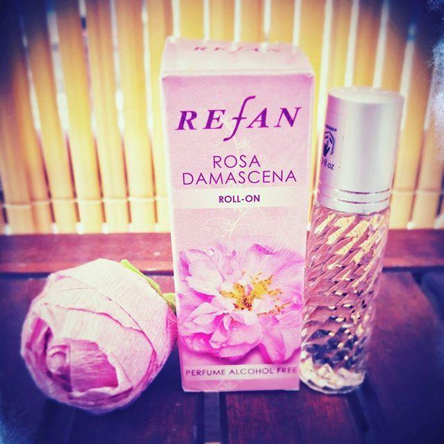 Hihetetlenül finom illatú parfümolaj a Rózsa Damascena virágából.  Kellemes és nőies.  #refan #rózsaolaj #parfümolaj #női #alkoholmentes