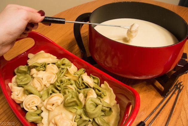 receitas-de-fondue-diferentes-fiondue-de-massas-capelete