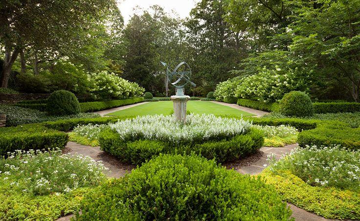 Ten Gorgeous Gardens We Love!
