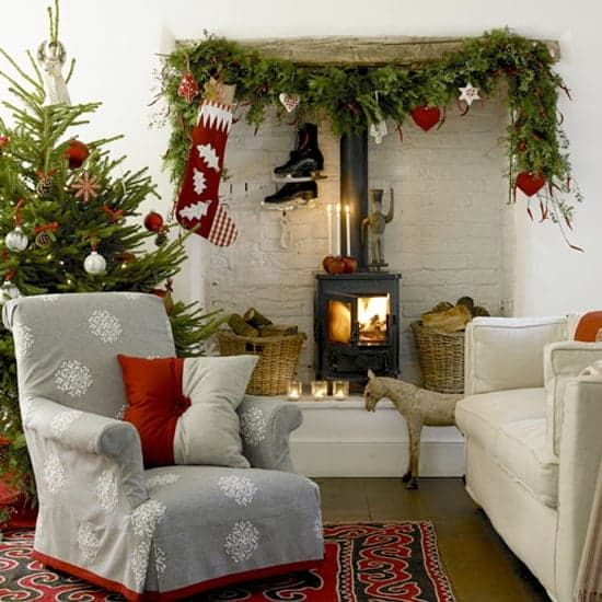 Decorating Inspiration Photos of Fireplace Mantels For Christmas ...