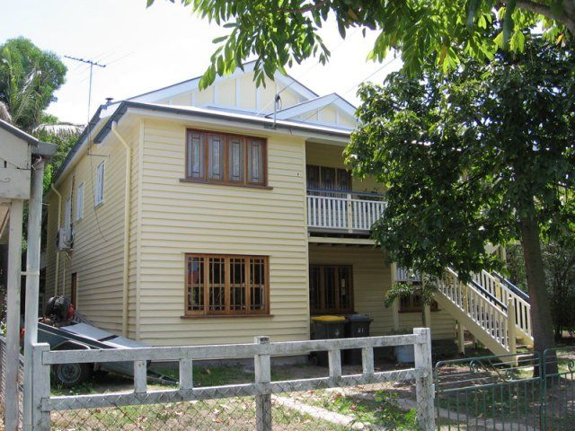 Does your property require Exterior repaint and a new fresh look? For all your enquiries, find fully licensed and qualified Attentive Brisbane Painters  & get satisfied with our work...