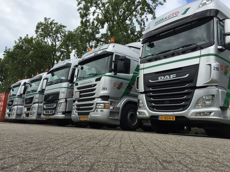 your priorities, our professionalism...... doing great work together #teamwork #trucktober #transport #rotterdam #DAF #SCANIA #VOLVO #MAN