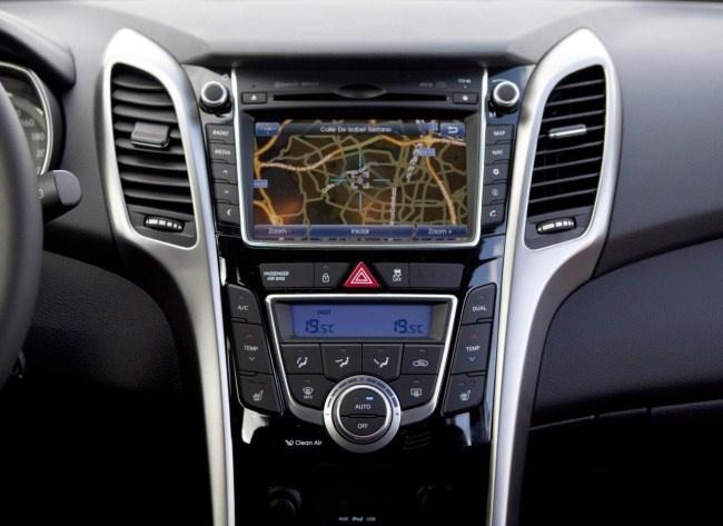 Consola Hyundai i30