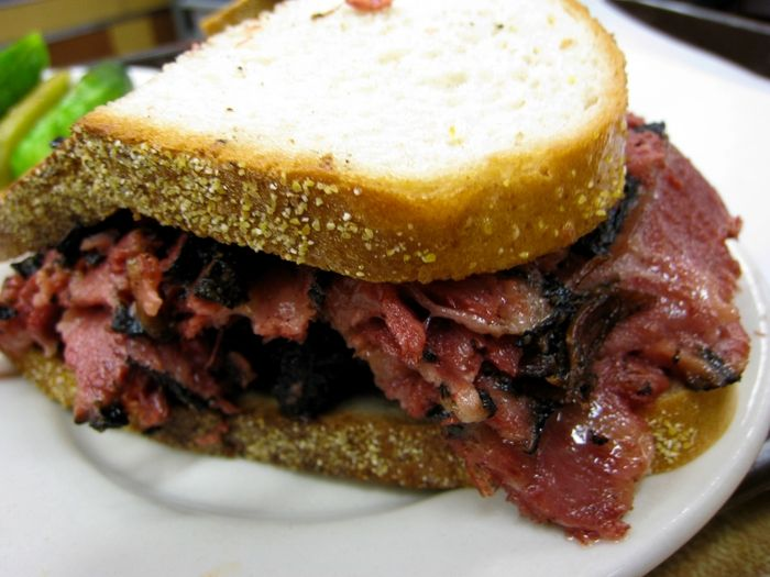 pastrami-sandwich.jpg 700×525 pixels