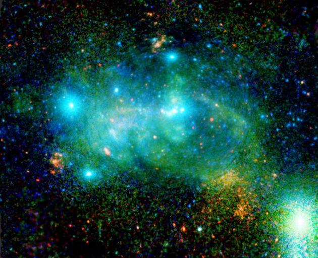 Il centro della Via Lattea. Il cuore della Galassia: un'immagine senza precedenti del centro della Via Lattea, ottenuta grazie al telescopio spaziale XMM-Newton e commentata in dettaglio.