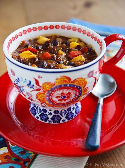 black bean-pineapple soup stew chiliSoup Stew, Beans Pineapple Soup, Yummy Food, Vegetarian Black Beans Recipe, Stew Chilis, Vegan Mexicans Beans Soup, Pineapple Chilis, Mr. Beans, Black Beans Pineapple