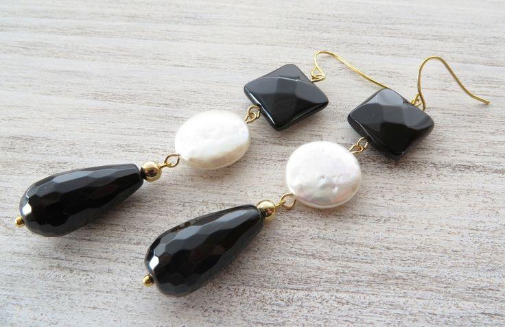 Orecchini con agata nera e perle naturali, gioielli artigianali, bijoux con pietre dure : Orecchini di sofiasbijoux