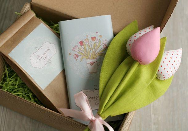Подарок на 8 марта коллегам - Весенний комплимент