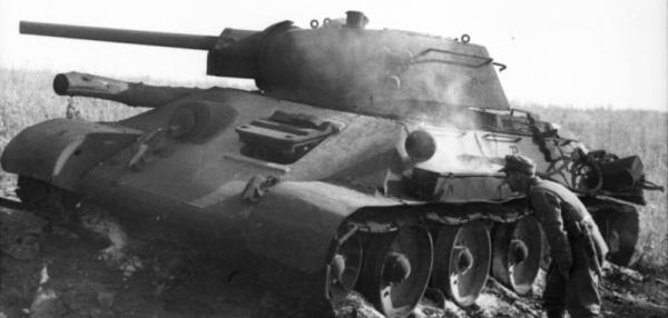 Die Verlustzahlen sprechen für sich: Obwohl die Rote Armee rund 2000 Kampfwagen gegenüber 250 deutschen Verlusten verlor, brach die deutsche Führung den Kampf nach elf Tagen ab. Die deutschen Personalverluste betrugen 54.000 Soldaten, die der Roten Armee werden auf mehr als 300.000 geschätzt.
