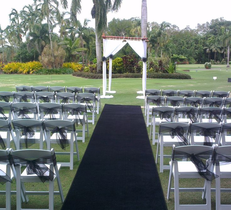 Black carpet? For a wedding? When it's New York themed it fits perfectly!  For more ideas please visit out website http://www.wardbenedict.com.au/