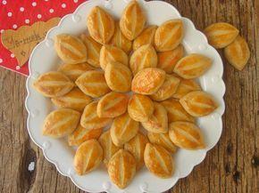Pastaneden alınmış gibi ağızda dağılan, mis kokulu sirkeli kıyır kıyır bir kurabiye tarifi...