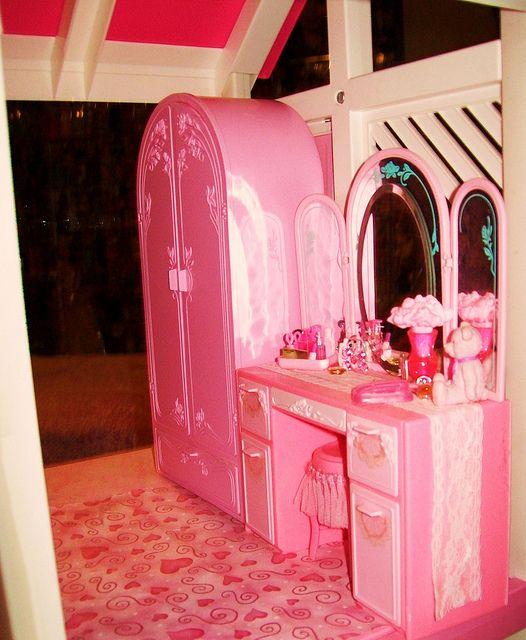 45 best barbie 39 s bedrooms images on pinterest for Barbie dream house bedroom