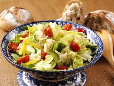 平野 レミさんの「サラダおいしいかい(貝)」のレシピページです。レタスと帆立ての缶詰さえあれば、おいしいサラダのできあがり!冷蔵庫の残り野菜も上手に使って。