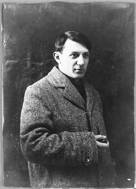 * Pablo Picasso, 1908 in the studio at Bateau-Lavoir.