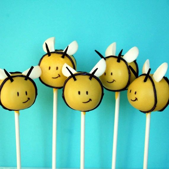 Bees-Baby-Shower-Cake-Pops2