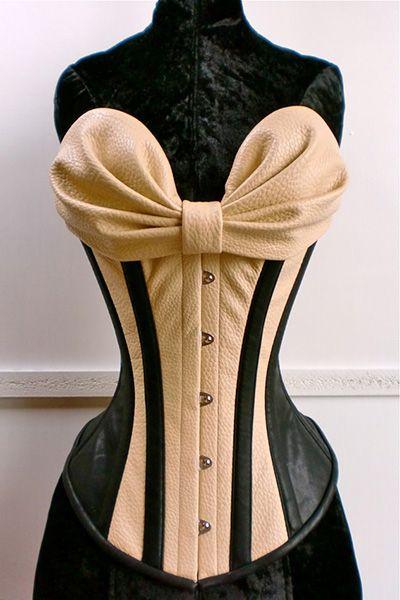 Unisexpeanuts corsetry