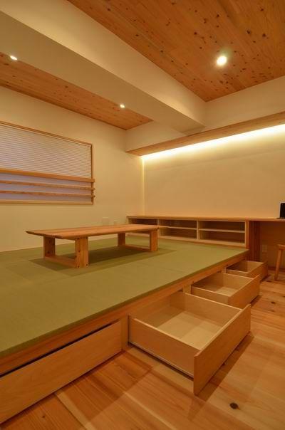 『小上がり畳スペースと4枚引戸リビングのある家』東京都世田谷区 | 木のマンションリフォーム・リノベーション設計実例 | 木のマンションリフォーム・リノベーション-マスタープラン一級建築士事務所