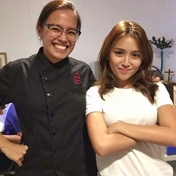 This is the pretty Kathryn Bernardo with a chef from Center for Culinary Arts Manila smiling for the camera for a smart casual photo shoot before the taping of Pangako Sa 'Yo. Indeed, Kathryn is another of my favourite Kapamilyas and an amazing Star Magic talent. #KathrynBernardo #TeenQueen #PangakoSaYo