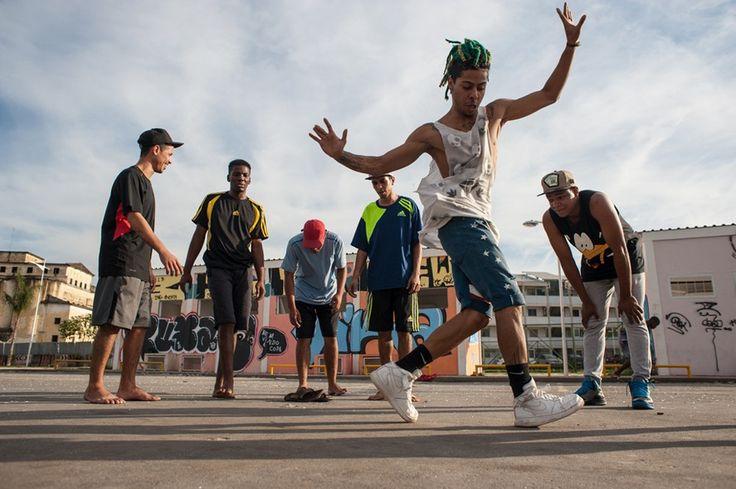 Fotógrafo italiano fotografa grupo carioca de passinho - GQ | Cultura