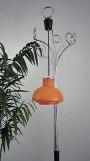 Lámpara retro, opalina naranja, años 70.