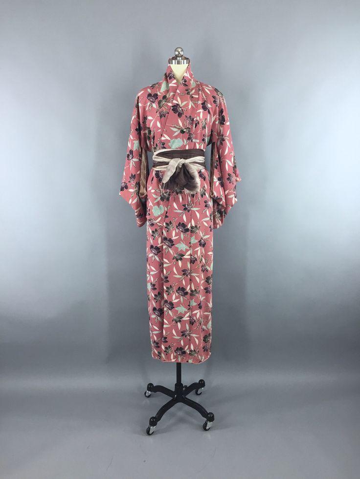 1950s Vintage Silk Kimono Robe /  Mauve Pink Floral Print