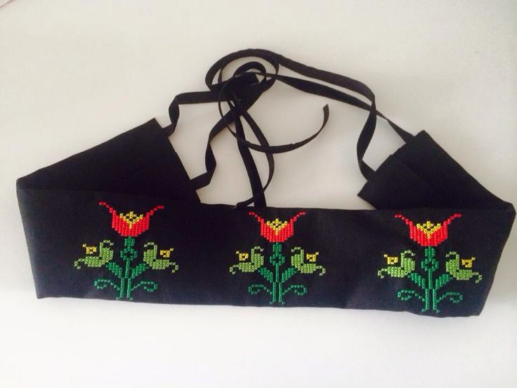 15 €  Embroidered with motifs from Romania tradition #accessories #dar #tradition