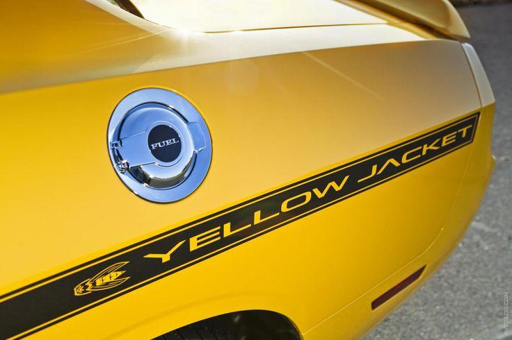 Галерея 2012 Dodge Challenger SRT8 392 Yellow Jacket. 12 свежих и актуальных фотографий. Пресс-релиз, рейтинг, заметки на тему 2012 Dodge Challenger SRT8 392 Yellow Jacket
