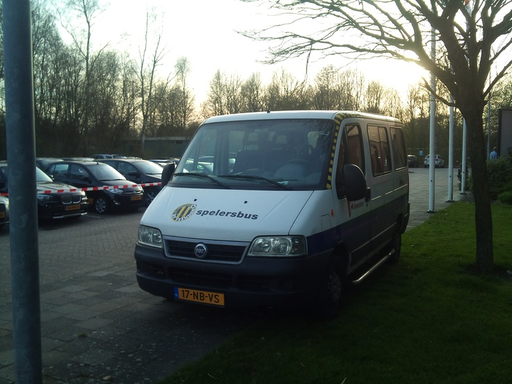 de spelersbus van SC Veendam