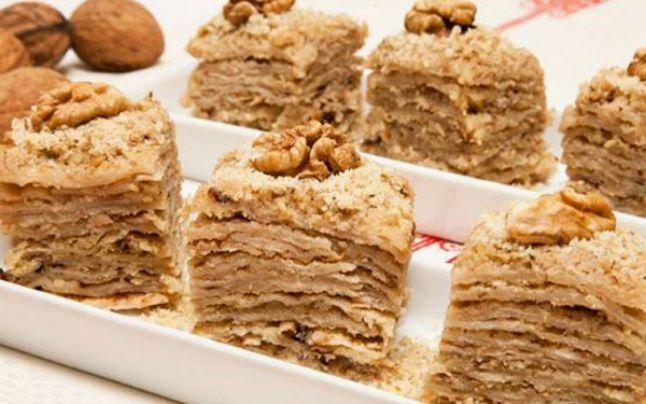 Reţeta delicioasă de turtă cu julfă. Cum se prepară desertul de Crăciun după formula tradiţională, cu multă cânepă