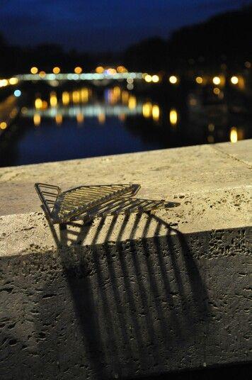#design #plexiglas #gold #bronze #alemeacci #walldecor #interior #mdw15 #iSaloni #roma #rom #Shadows   #bridge #romabynight www.alessandrameacci.it