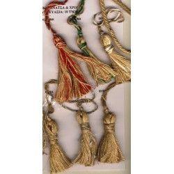 Φουντάκια σε διάσταση 7 εκατατοστά, σε χρώματα κόκκινο, πράσινο, εκρού ασημί, χρυσό και φυσικό.