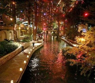 San Antonio River Walk (Best Honeymoon Destinations In USA) | BestHoneymoonDestinationss.blogspot.com