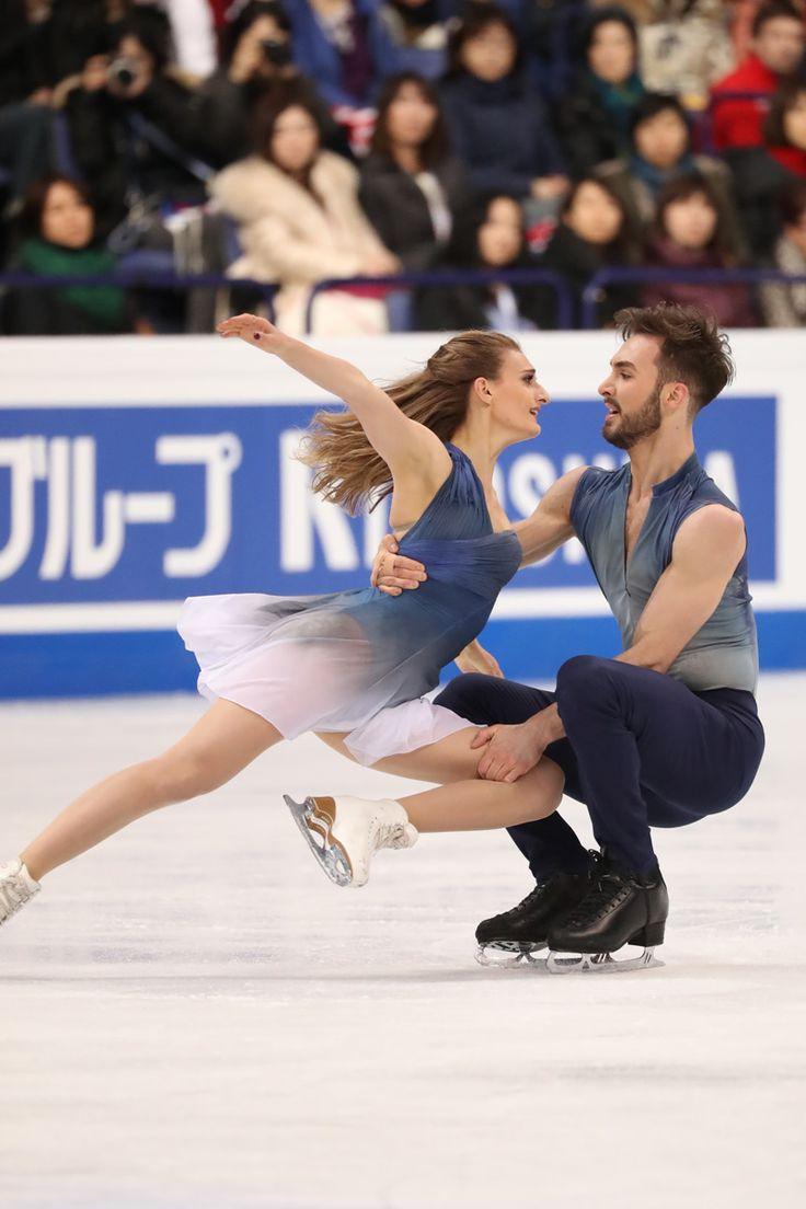 Gabriella Papadakis & Guillaume Cizeron, figure skating, ice dance, blue costumes