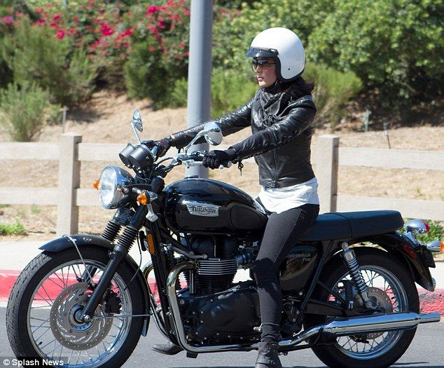 boneville women Bonneville motorcycle speed trials, the ama land speed grand championship, is the premier motorcycle land speed racing event this ama and.