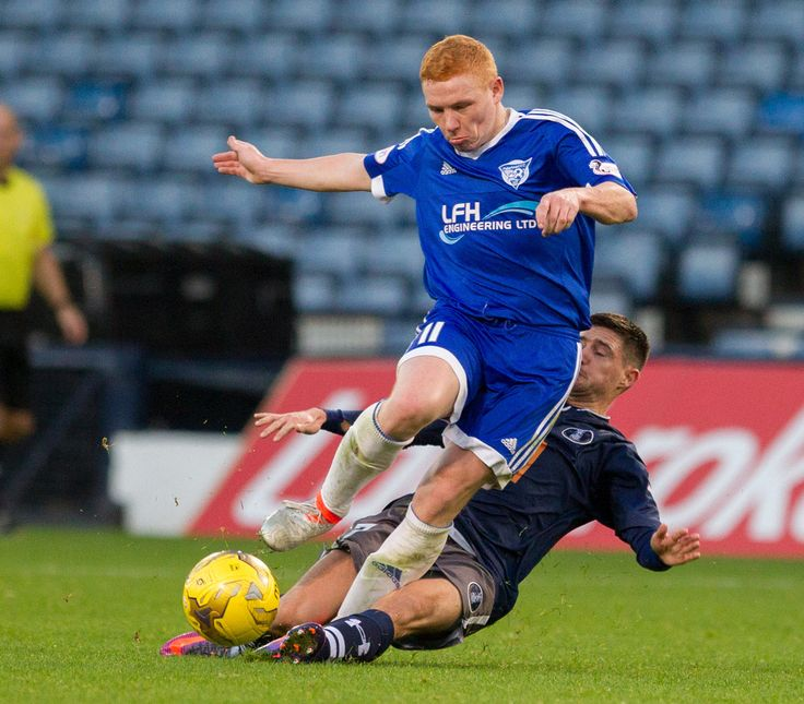 Peterhead's Nathan Blockley in action during the Ladbrokes League One game between Queen's Park and Peterhead