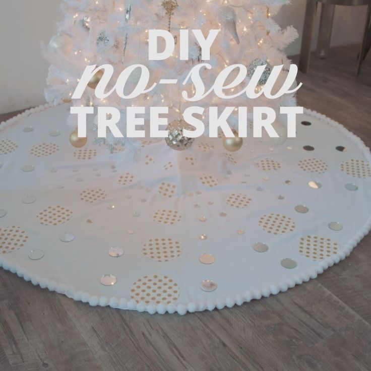 DIY No-Sew Christmas Tree Skirt