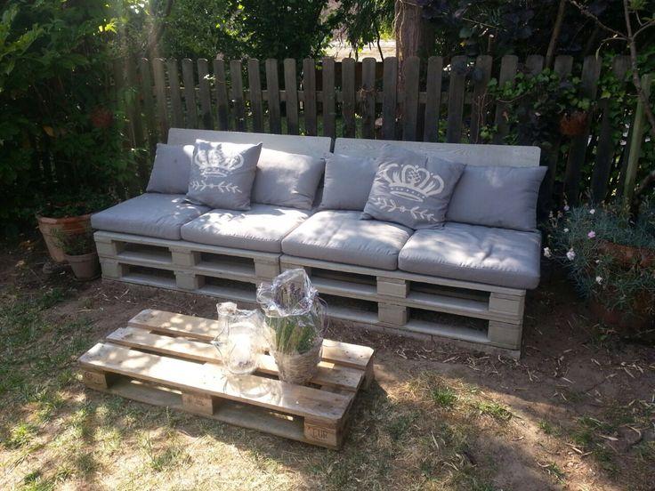 Sitzplatz aus paletten polster und kissen von ikea garten pinterest ikea - Garten lounge aus paletten ...