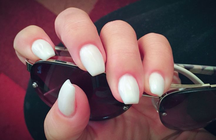 Short coffin ballerina shaped nails in white #coffinnails ...