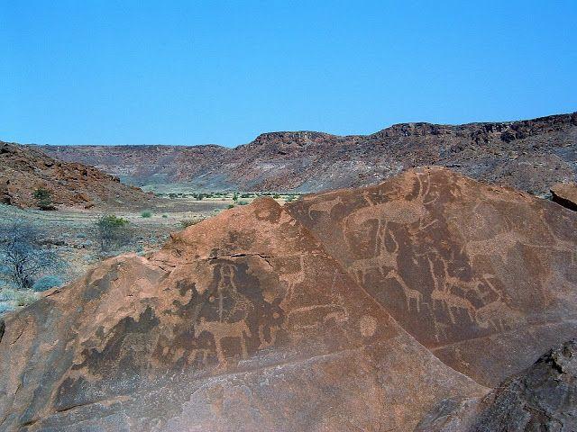 Twyfelfontein or /Ui-//aes (Namibia)