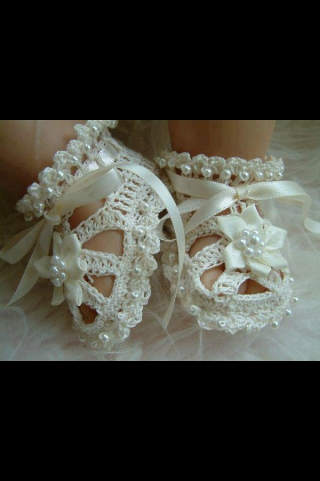 Christening shoes Oh My God!  Super cute for a little girl!