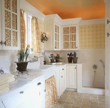 16 best dog washing stations images on pinterest dog shower dog cute farmhouse cottage dog washing station adorable solutioingenieria Gallery