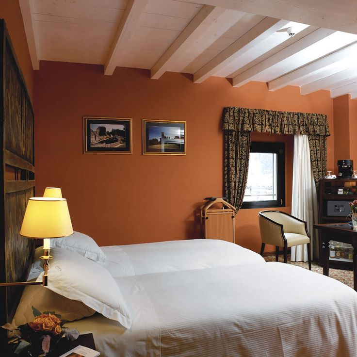 L'esclusivo complesso di Villa Porro Pirelli, l'hotel 4 stelle a Varese, vi…