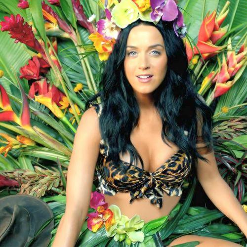 """⫷⫸ Katy Perry in her """"Roar"""" music video ⫷⫸ #KatyPerry #KatyKats #Celebrities"""